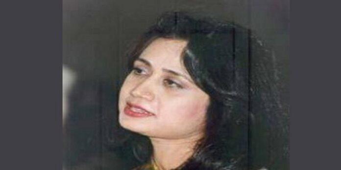 Today Is Death Anniversary Of Legendary Poetess Parveen Shakir